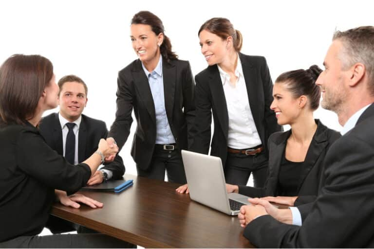Mastermind Group Members: How to Select the Right Members for Your Group / Do Women Small Business Owners Treat Their Employees Better?
